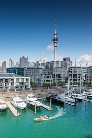 Auckland Waterfront Apartment