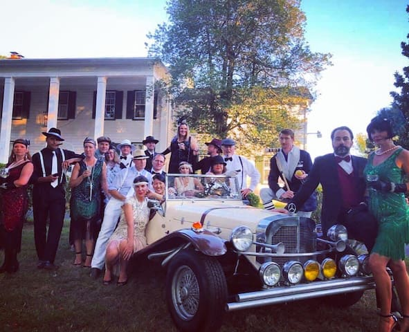 Mansion for Halloween / Themed Parties