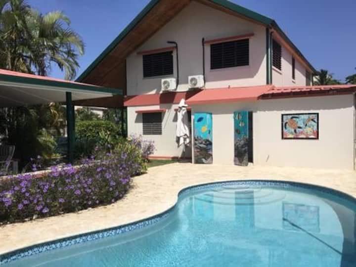 Casa Ariella w/pool 150ft from the Caribbean Sea