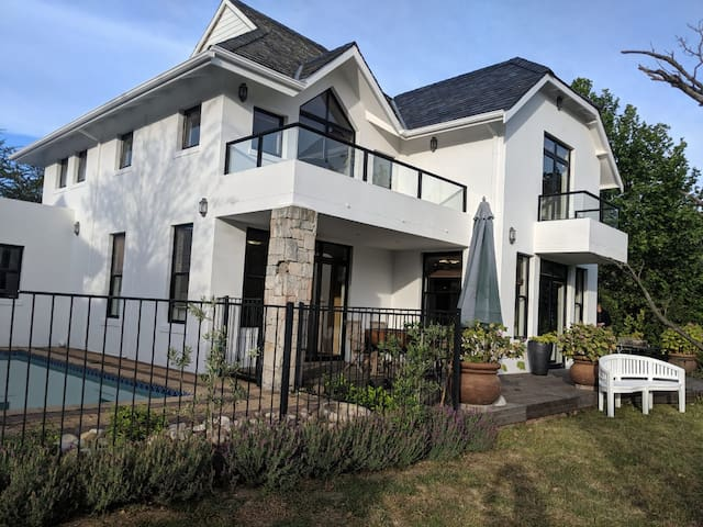4 Bedroom Villa on Pearl Valley Golf Estate