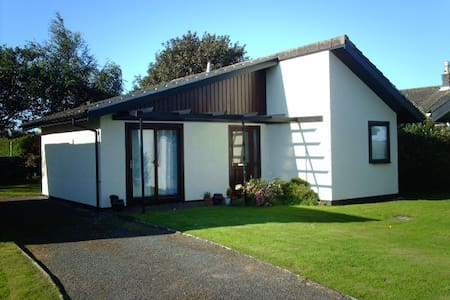 QUIET, DOG FRIENDLY SEASIDE CHALET - Isle of Whithorn