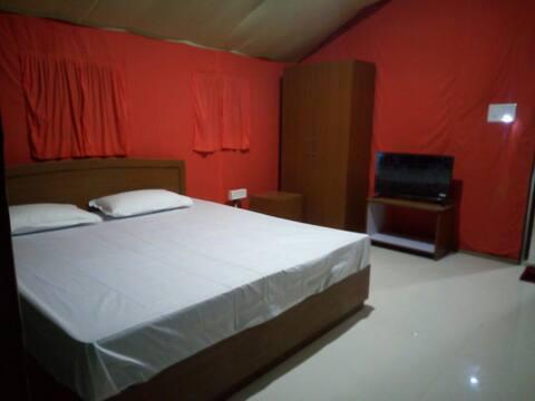 BONROJA Motel ( The Jungle King Motel, Bagori)