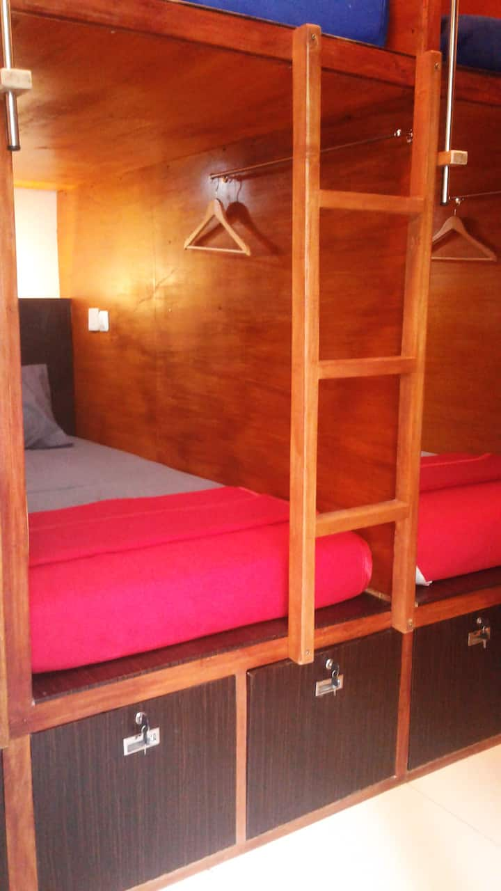 Buton Backpacker Lodge  (Cozy Capsule Bed)