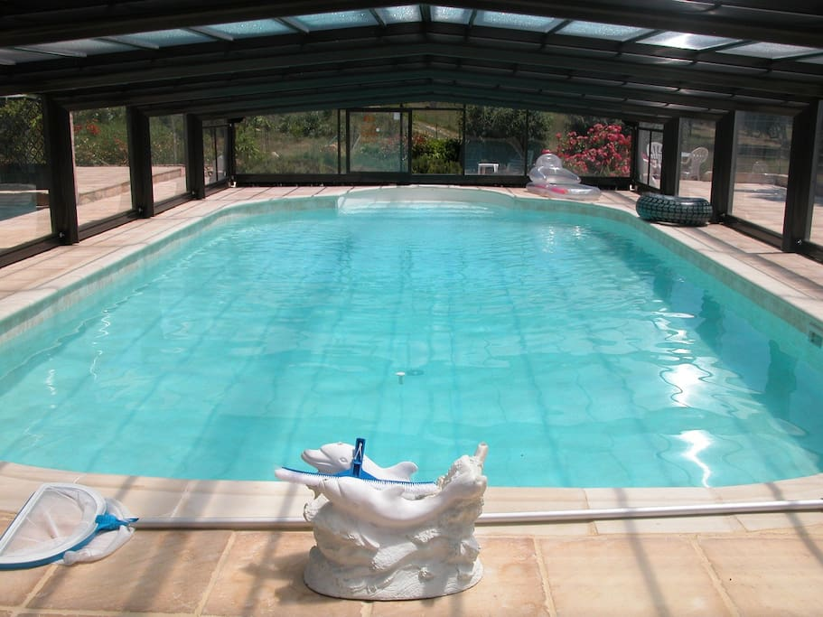 Pool house piscine priv e couverte maisons louer for Piscine vinon sur verdon