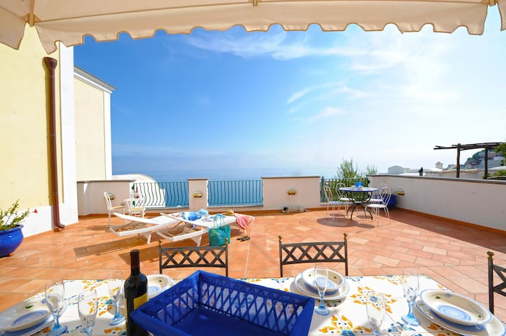 Casa Alessia - Big terrace on the sea