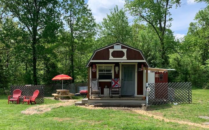 The Lodge; Nashville 35/40 mins, TN countryside