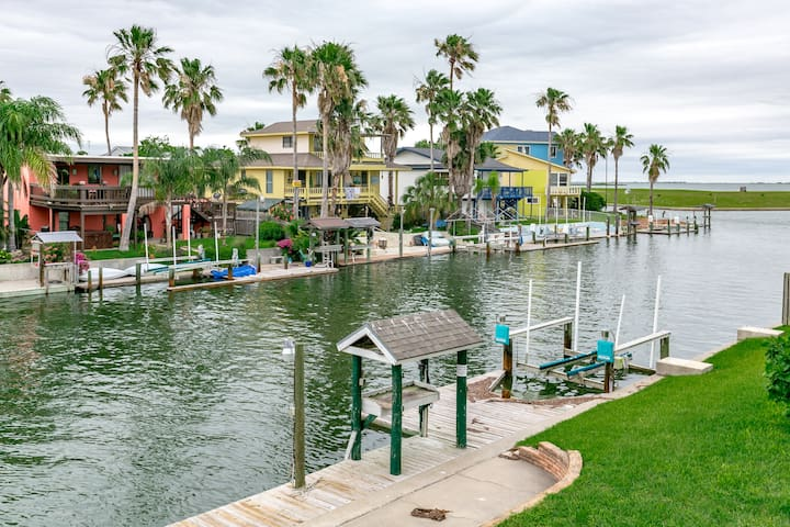 Remodeled Waterfront in Rockport