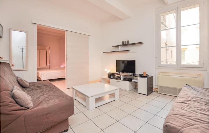 Beautiful home in Cannes with WiFi and 1 Bedrooms