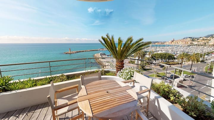 Magnificient facing sea 3rooms with big terrace and parking