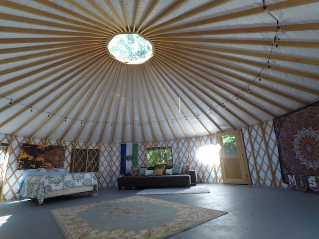 Garden Temple on the FiveAcreWood (Glamping!)
