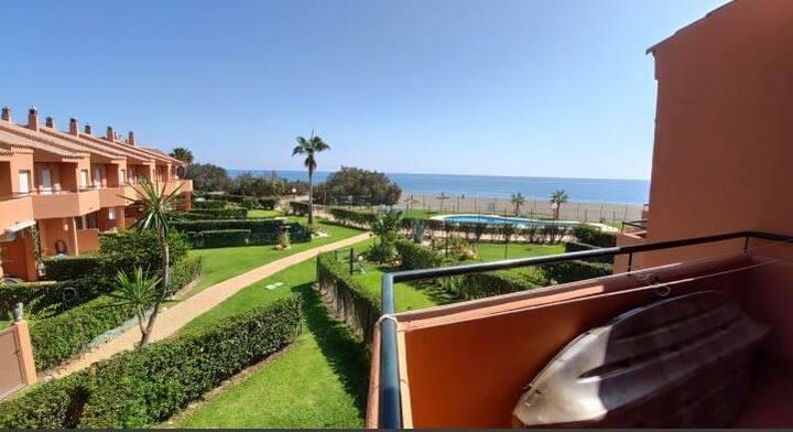 Magnífica casa primera línea de playa a solo 90 m