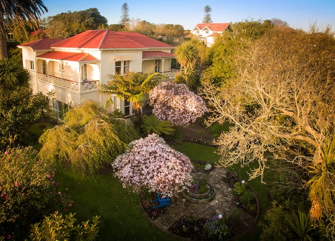 Oakhaven is a Historical Villa - Whanganui - House