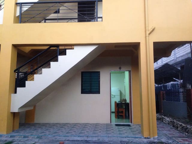 A Backpackers Den in the City - Tagbilaran City - Apartment
