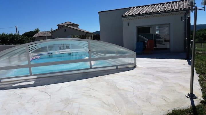 maisonette de 32 m carré ,F2 avec piscine
