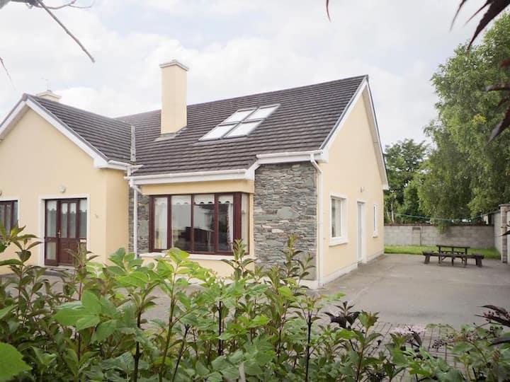 Beaufort, killarney Holiday Home