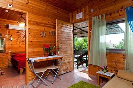 "Romantic cabin ""Arbel"" sea of galilee - Migdal - Srub"