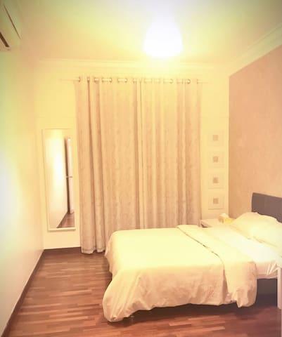 Middel Room