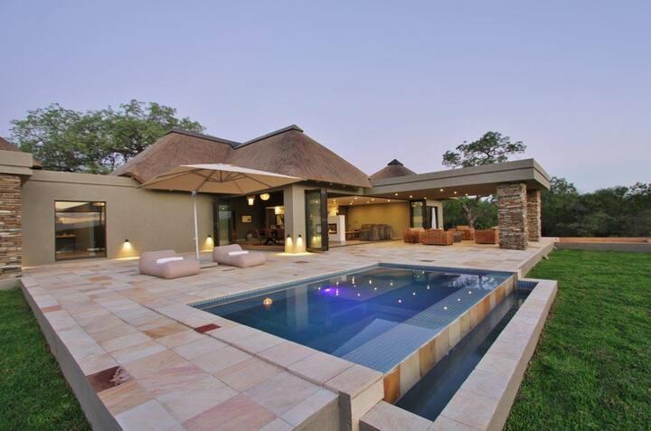 Luxury Bush Villa in Secure Wildlife Estate