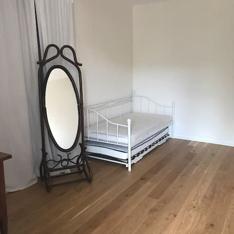 Chambre d'hôte familiale, lit gigogne