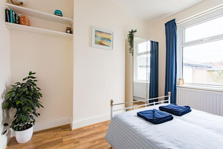 ★FREE PARKING★ Private Flat, 7-mins to City Centre