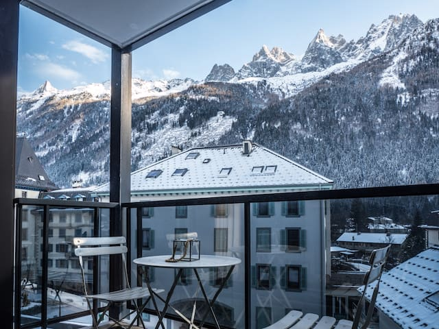 Nicest View of Chamonix - Hyper Central 1-bed Apt