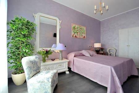 Lovely Room&Kitchen in Vatican - โรม