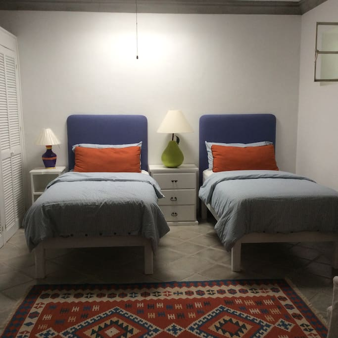The Front Suite Twin Bed Configuration