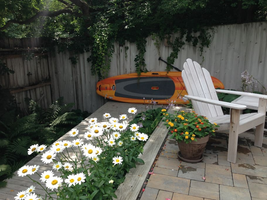 The house comes with a paddle board and two kayaks for bay use.