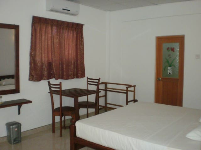 BEACH SIDE PRIVATE ROOMS - Induruwa - Appartement