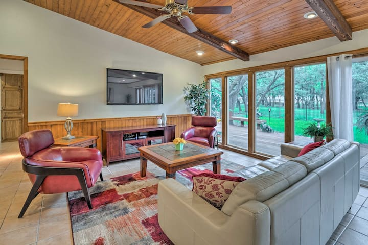 This 3-bedroom, 2-bathroom home accommodates groups of 6 with ease.