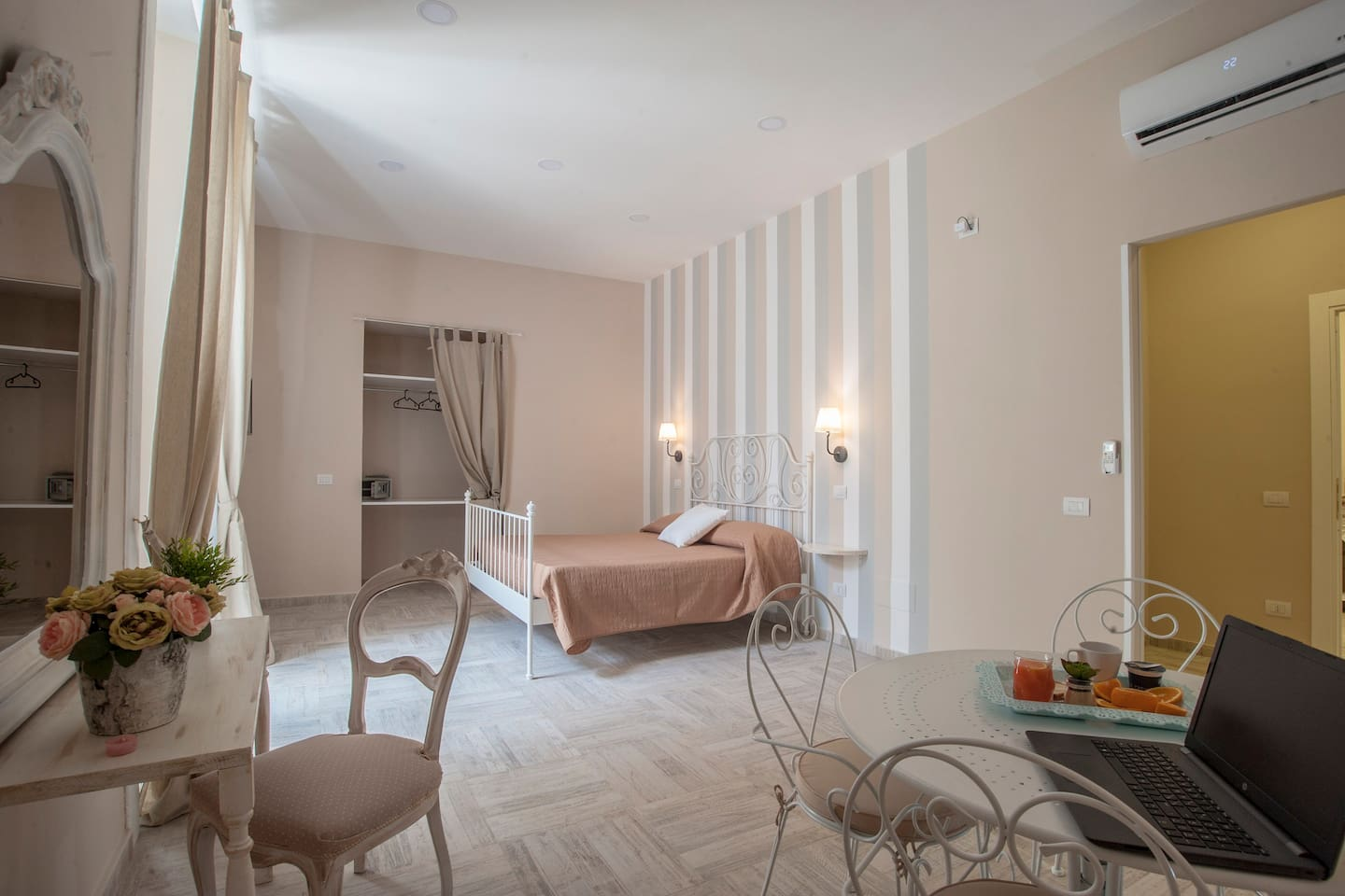 B&B Pontenuovo bed - Camera Toto\' - Bed and breakfasts for Rent in ...