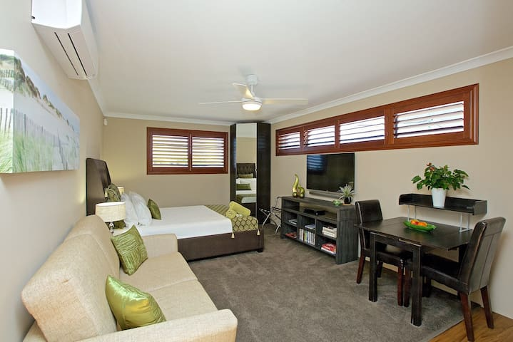 Perth Beaches, New to market! - Marmion - Bungalow