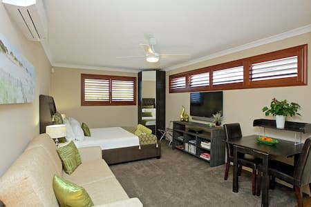 Perth Beaches, New to market! - Marmion - บังกะโล