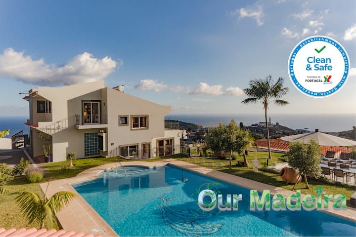 Fabulous villa in Funchal, panoramic sea-view, heated pool, hot tub | BelAir