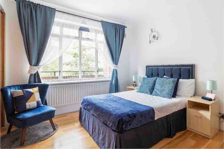 ⭐️Large Double Bedroom in Lancaster Gate free WiFi⭐️