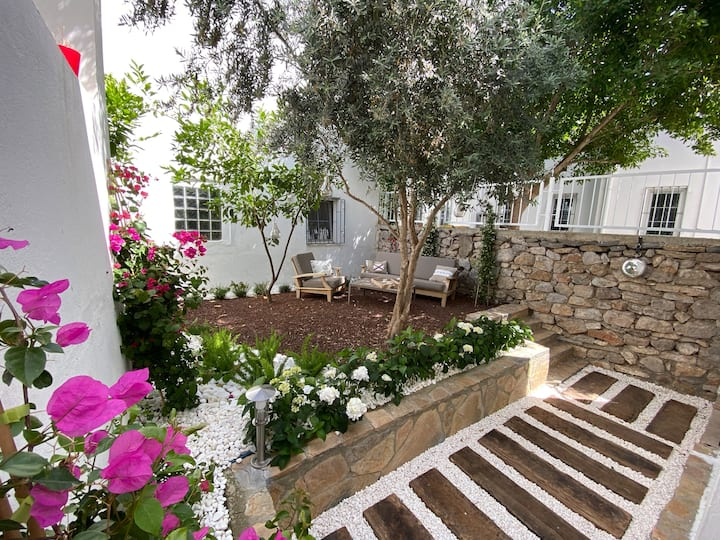 Cozy Flat In Bodrum Center With Private Garden