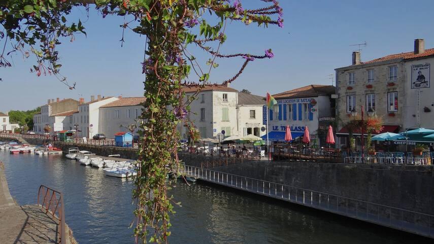 Au Vieux Pont de Pierre (103 m2)