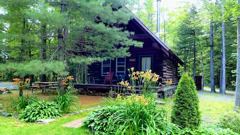 Lumberjack Lodges, handcrafted 4 season log cabin