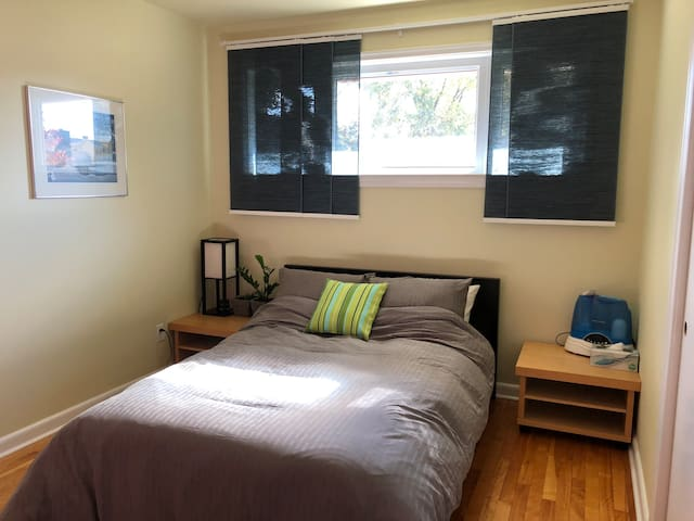 Comfy private room(s) close to hospitals & transit