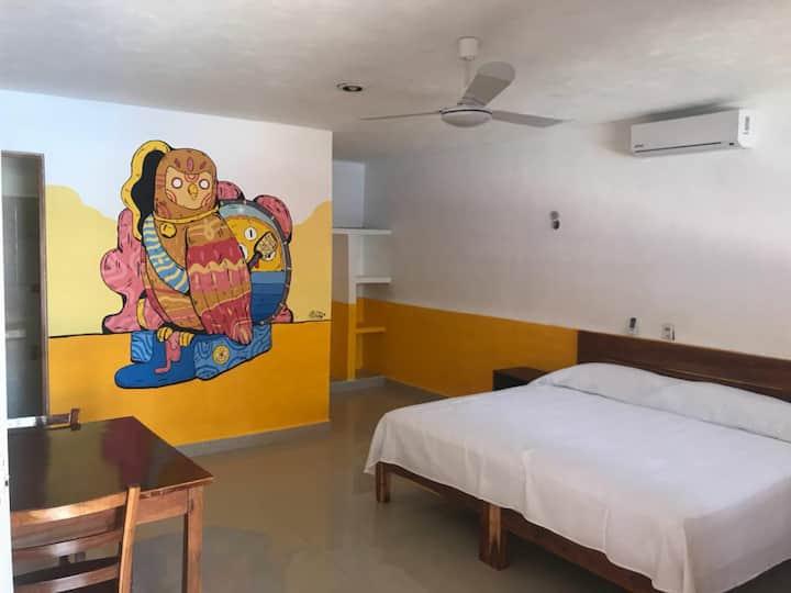 Ka'an #2 private room,swimming pool, wifi