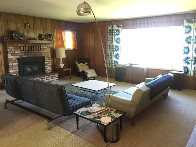 Hilltop Hideaway Ranch - View, Murphys - 4BR