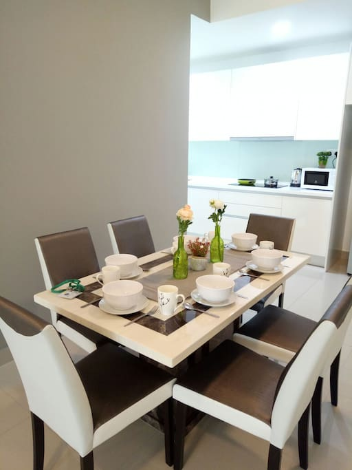 6 Seater Marble Dining Table with kitchenware