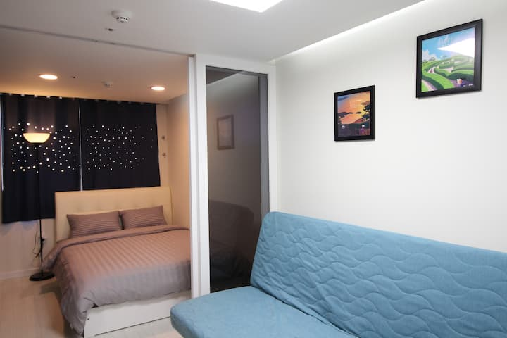 SB[Airport 1.7km, DutyFS 1km]1 Queen Bed Residence