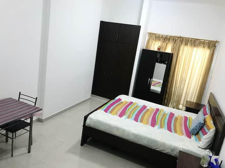 Luxury Studio apartment/couples/ Al nahda 1/Dubai