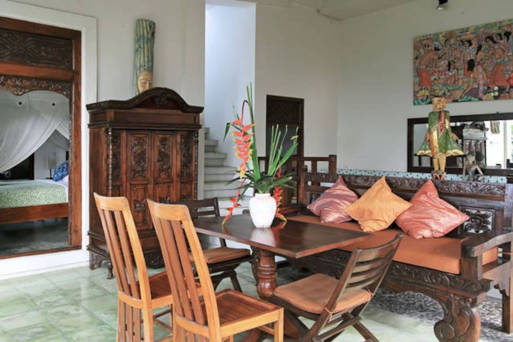 Living room in Balinese House with Pool Acess