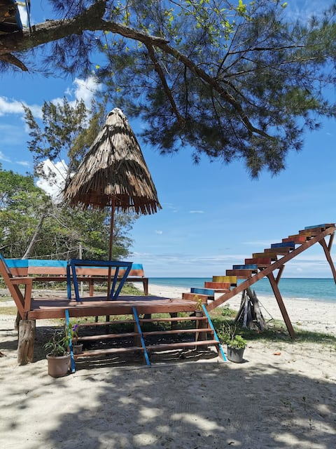 Blue Eyes Beach Resort (蓝眼泪海边度假酒店)