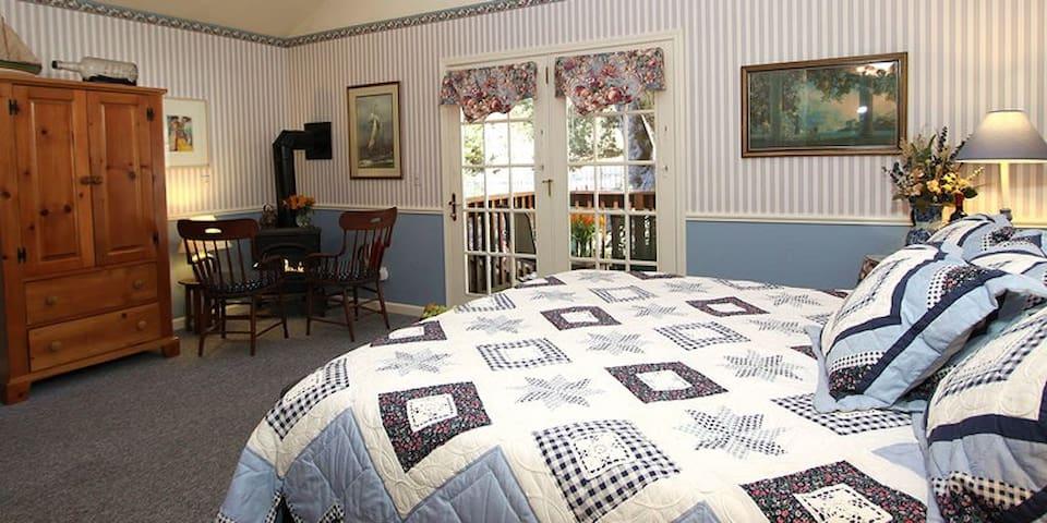 Wedgwood - McCaffrey House Bed & Breakfast Inn