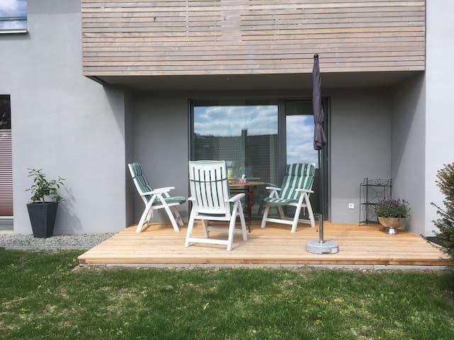Schicke Einliegerwohnung mit Blicklage - Leonberg - Departamento anexo