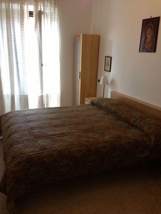 Una delle due camere da letto