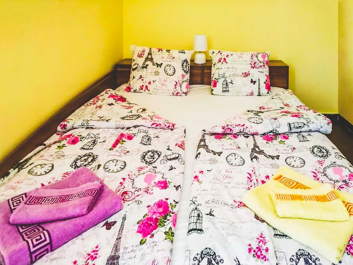 Inviting Suite Near Central Railway Station